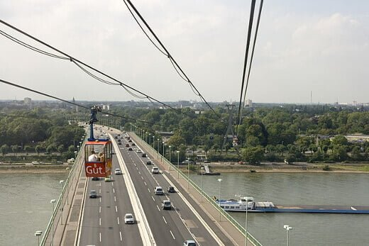 Cologne_Cable_Car-turrehberin