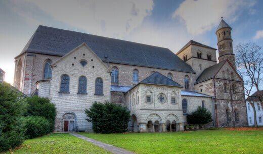 St._Pantaleon_Köln-turrehberin