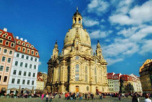frauenkirche-dresden-turrehberin