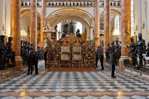 Hofkirche-turrehberin