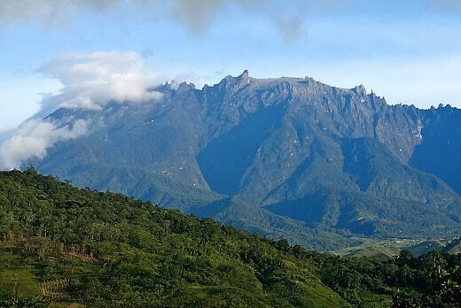 MOUNT KINABALU-turrehberin