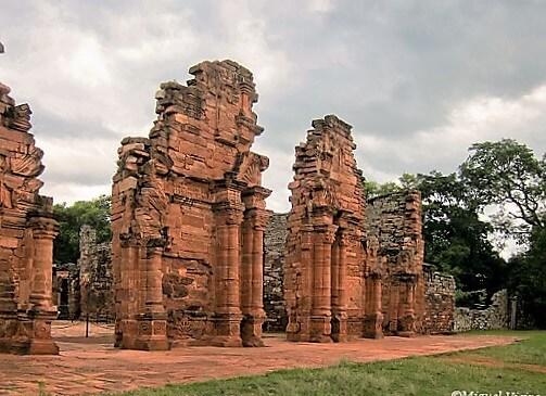 San_Ignacio_Miní_mission_ruins-turrehberin