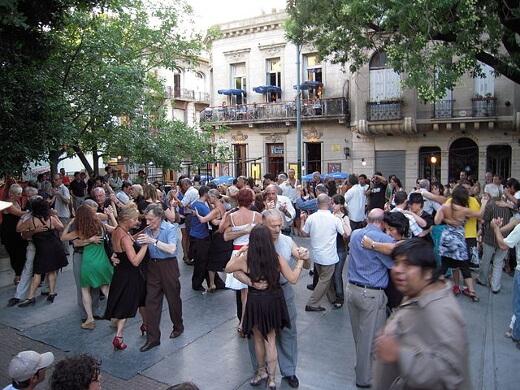 San_Telmo_Plaza_Dorrego-turrehberin