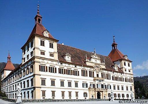 Schloss_Eggenberg-turrehberin