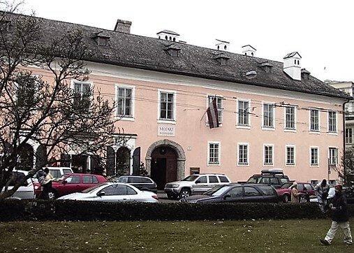 Tanzmeisterhaus-turrehberin