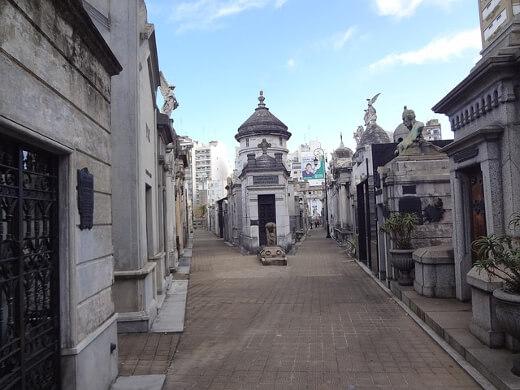 recoleta-cemetery-turrehberin