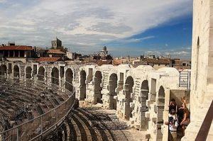 Arles Kasabası
