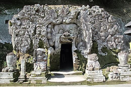 Goa_Gajah-turrehberin