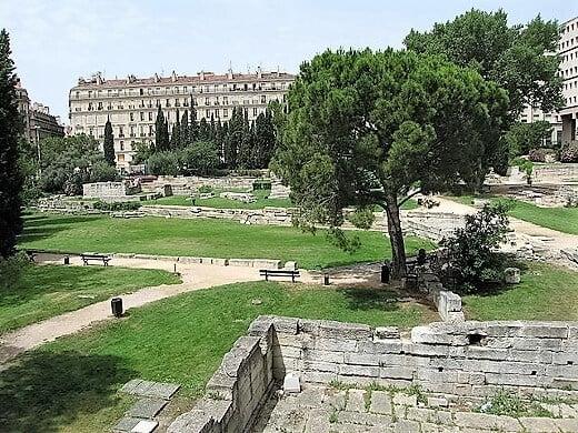 marseille_-_le_jardin_des_vestiges-turrehberin