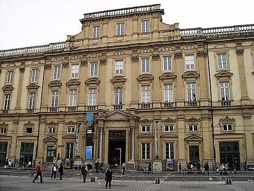 palais_st_pierre_lyon1_fr_facade_terreaux-turrehberin