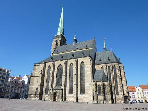 Plzeň,_katedrála_sv._Bartoloměje-turrehberin