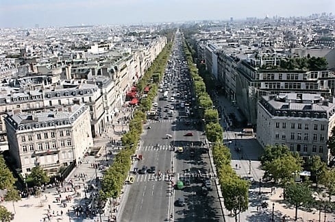 champs-elysees-turrehberin