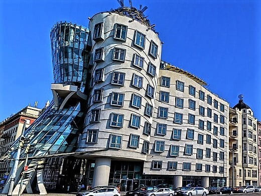 dancing-house-turrehberin