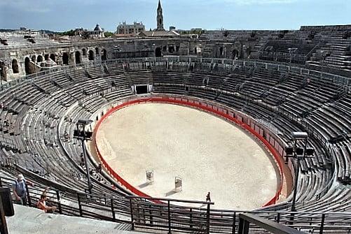 nimes-amphitheatre-turrehberin