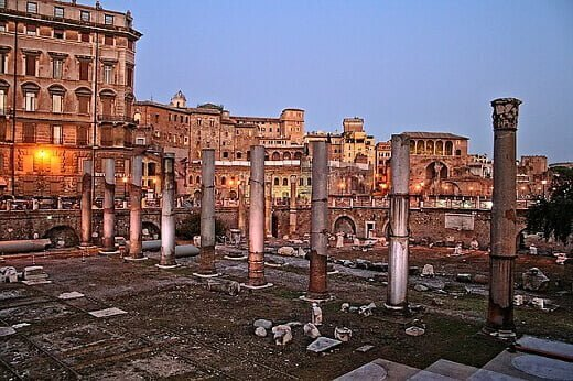 trajan-forum-turrehberin