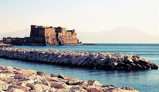 Castel-dell-Ovo-turrehberin