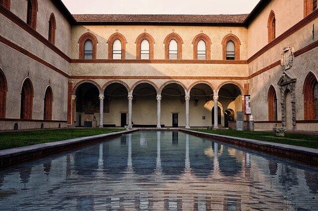 Castello Sforzesco-turrehberin