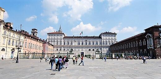 Piazza Castello-turrehberin
